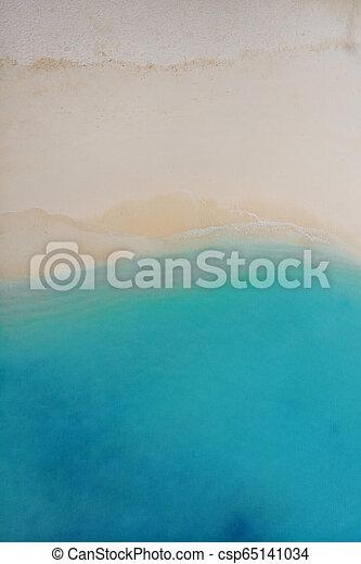 Islas tropicales en un atolón de coral. Arena blanca y mar azul, textura de paisaje minimalista - csp65141034