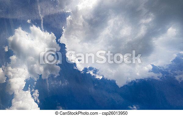 Cielo azul con nubes - csp26013950