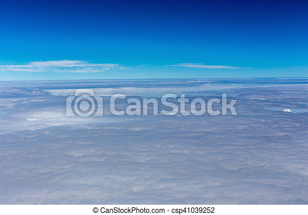 Cielo azul con nubes - csp41039252