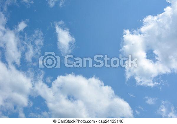 Cielo azul con nubes - csp24423146