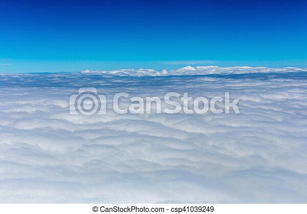 Cielo azul con nubes - csp41039249