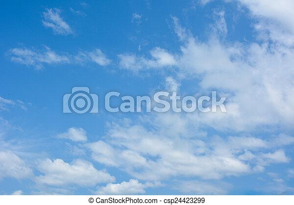 Cielo azul con nubes - csp24423299