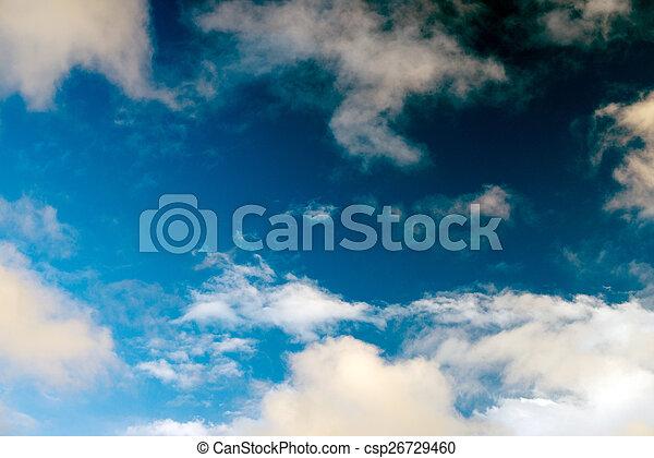 Cielo azul con nubes - csp26729460