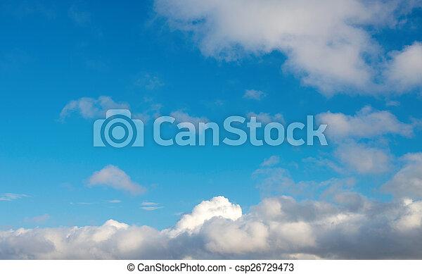 Cielo azul con nubes - csp26729473
