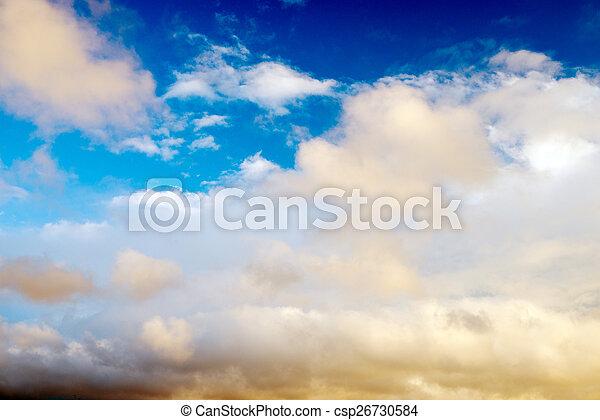Cielo azul con nubes - csp26730584
