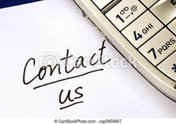 Las palabras nos contactan con un celular aislado en azul - csp3459407