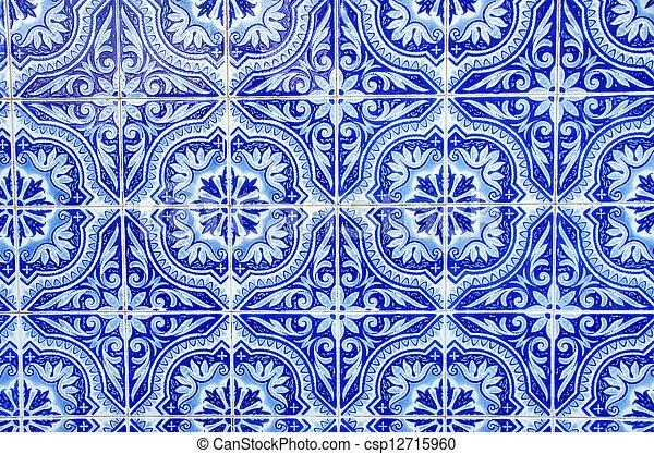 Los azulejos azules portugueses se acercan - csp12715960