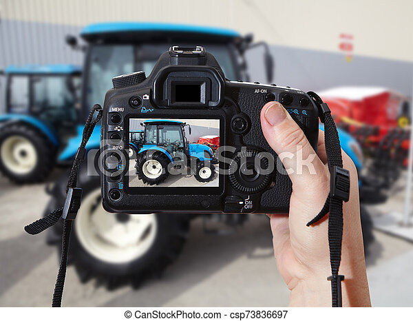 azul, tractor, agrícola, cámara, fotográfico - csp73836697