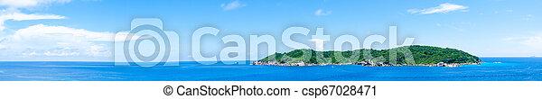 Panorama de la isla paisajista y el mar azul en verano. - csp67028471