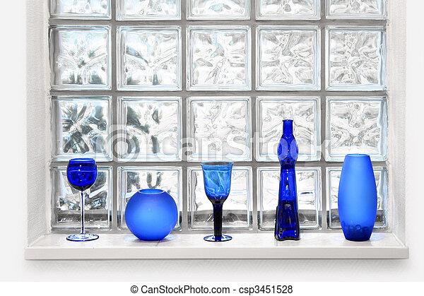 Un arreglo de ventanas de vidrio - csp3451528