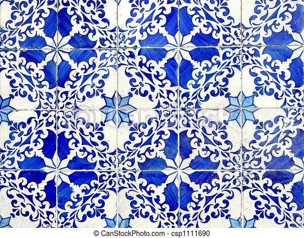 Viejos azulejos de cerámica - csp1111690