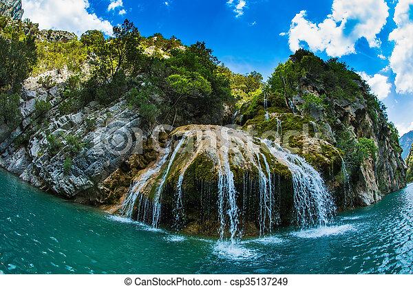 Azur Wand Wasserfall