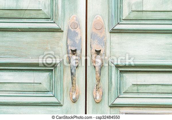 bán, ajtó - csp32484550