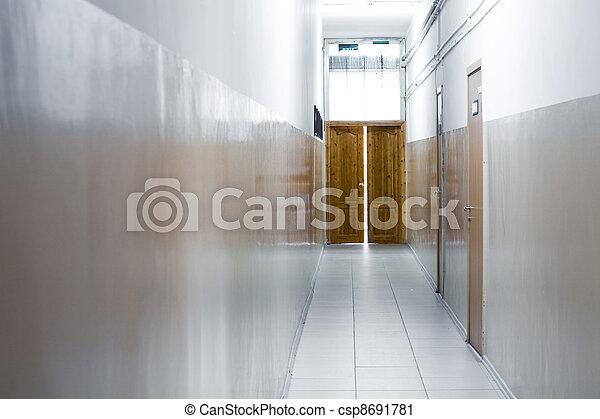 B timent couloir bureau bois portes étroit