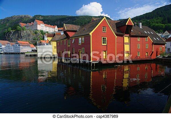 bâtiments., bois, harborside, bergen, norvège, vieux - csp4387989