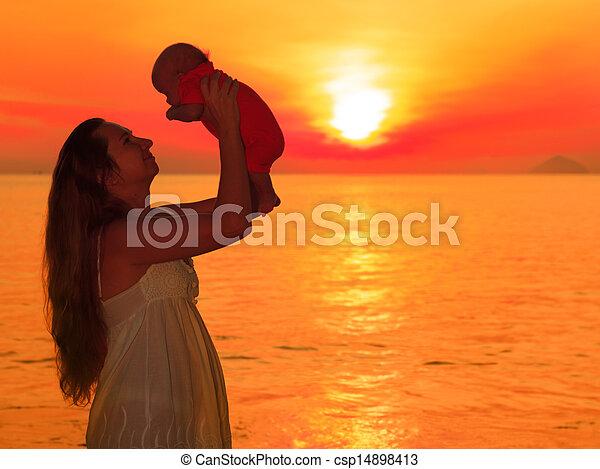 bébé, levers de soleil - csp14898413