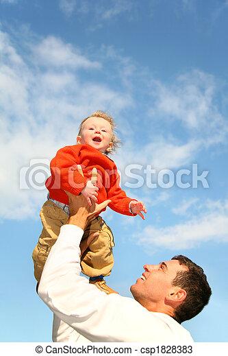 bébé, mains, ciel, père - csp1828383