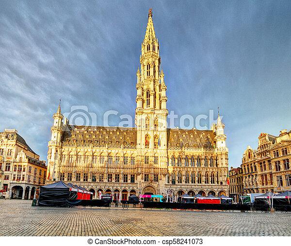 Bélgica, gran lugar en Bruselas - csp58241073