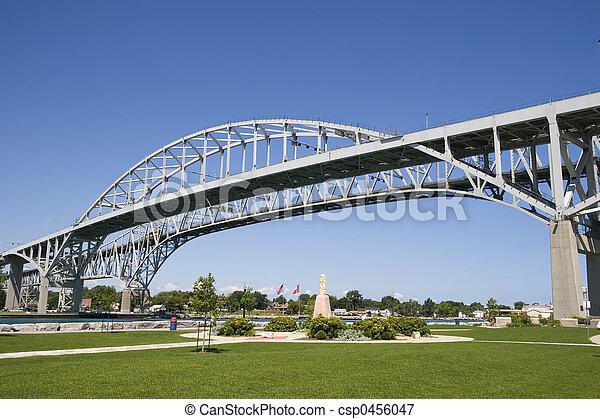 błękitny polewają, most - csp0456047
