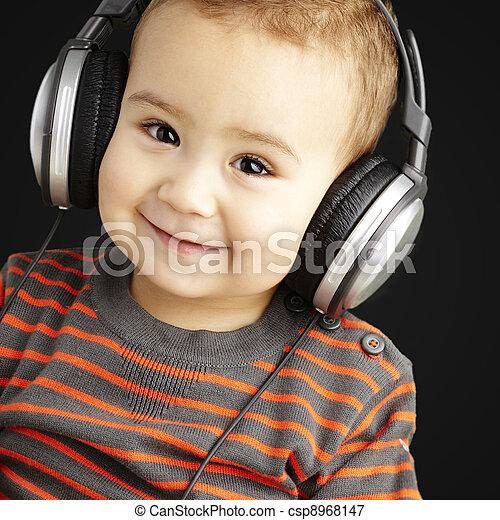 b betű, felett, zene hallgat, portré, mosolygós, jelentékeny, kölyök - csp8968147