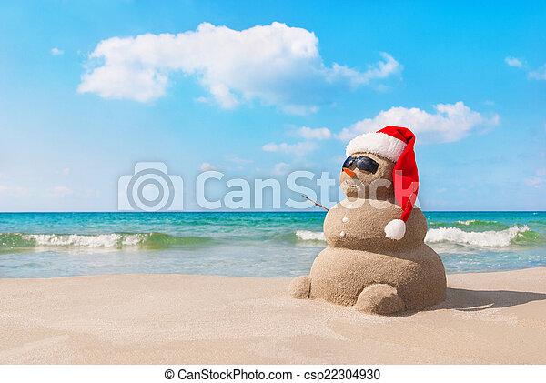 bałwan, plaża, santa kapelusz, boże narodzenie, piaszczysty - csp22304930