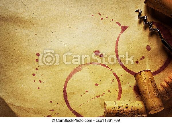 Vino Cork, sacacorchos y manchas de vino tinto en la cosecha de papel ba - csp11361769
