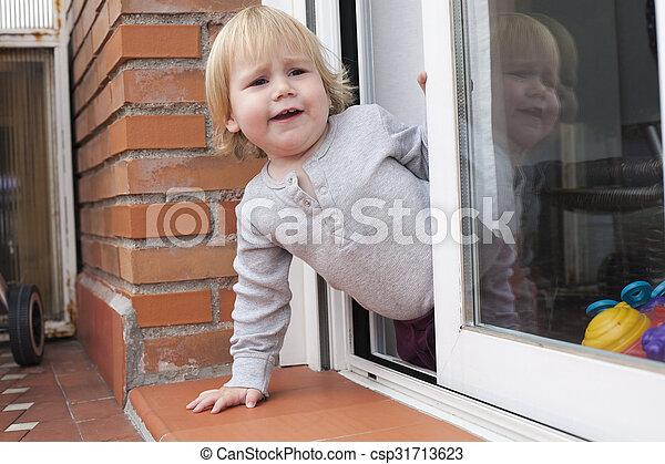 baby calling peering terrace - csp31713623