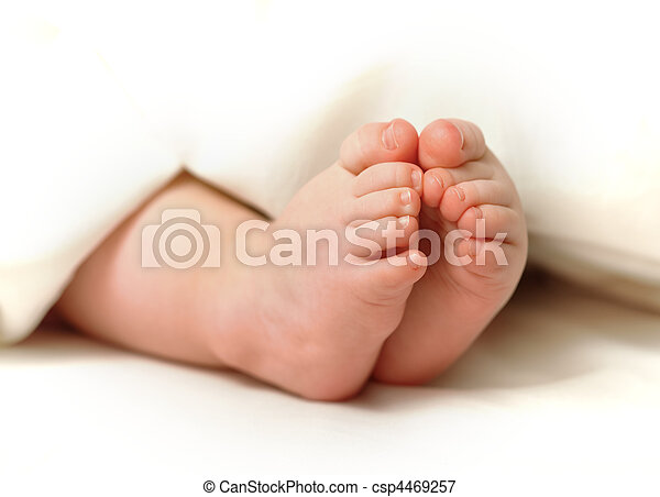 Baby feet - csp4469257