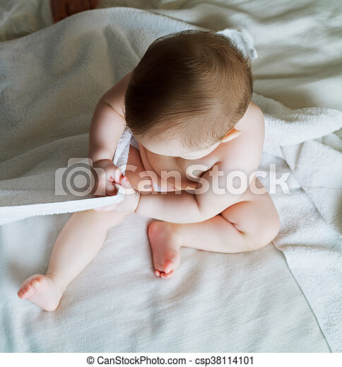 baby in bed at home - csp38114101