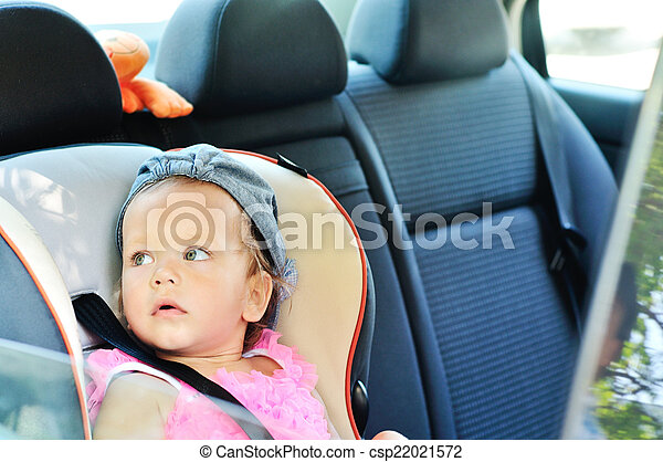 baby in car - csp22021572