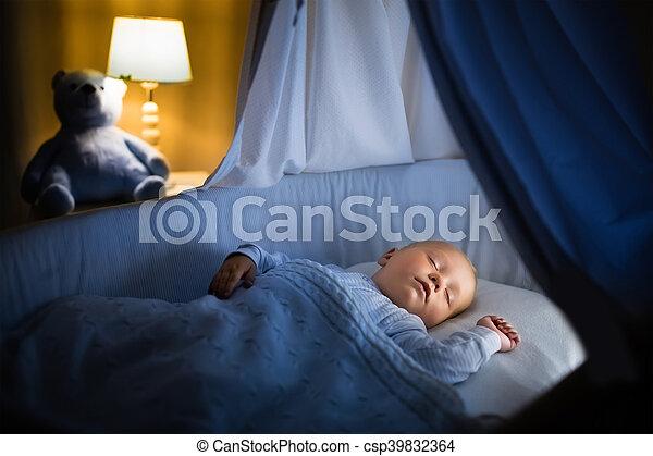 Jaaa dit word mini haar slaapkamer lamp een knallend feestje aan