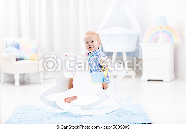 baby junge pferd spielzeug rockender reizend farbe schalfzimmer kinderwiege baumschule. Black Bedroom Furniture Sets. Home Design Ideas