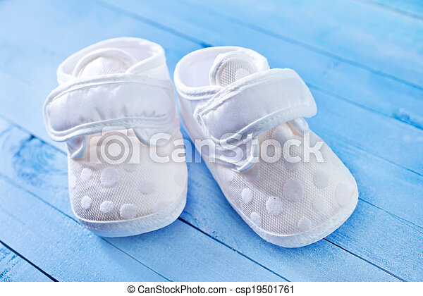 baby shoes - csp19501761