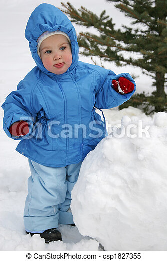 baby with snowball - csp1827355