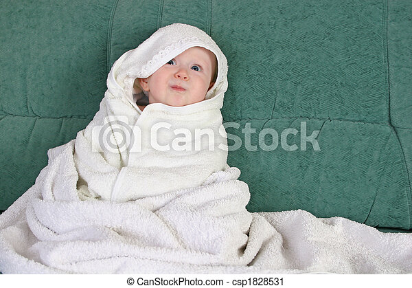 baby with towel - csp1828531