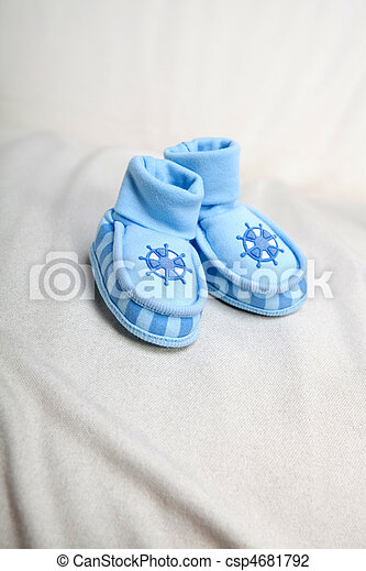 Baby's bootees - csp4681792
