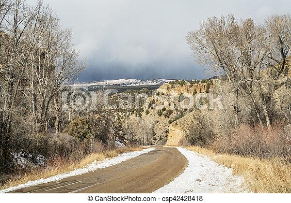 backcountry road through canyon - csp42428418