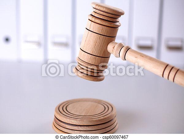 backgroun, caisse de résonnance, bois, isolé, marteau, juge, blanc - csp60097467