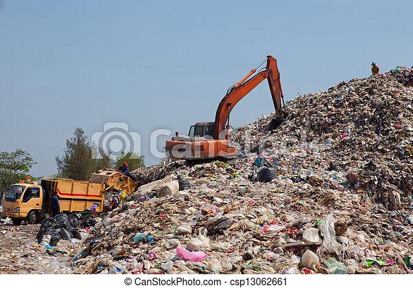backhoe, décharge ordures - csp13062661