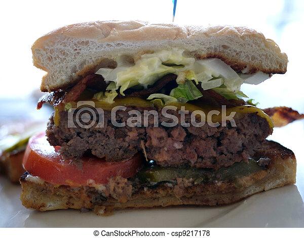 Bacon cheeseburger - csp9217178