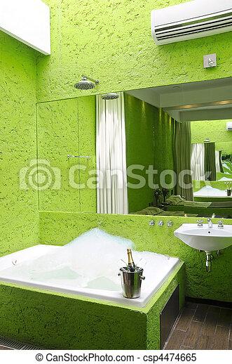 Badeværelse, jacuzzi, grønne. Badeværelse, fulde, moderne,... stock ...