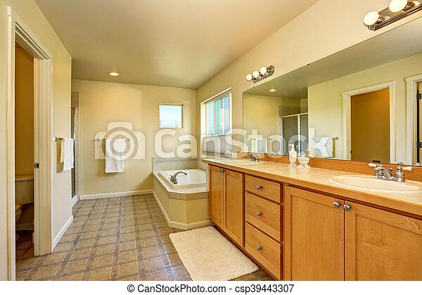 Het Witte Kabinet.Badkamer Groot Bad Spiegel Interieur Witte Kabinet Kuip Badmeubel