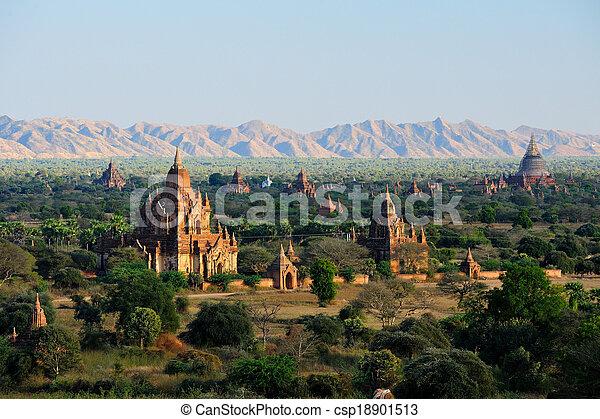 bagan, 日の出, 上に, 寺院, ミャンマー - csp18901513