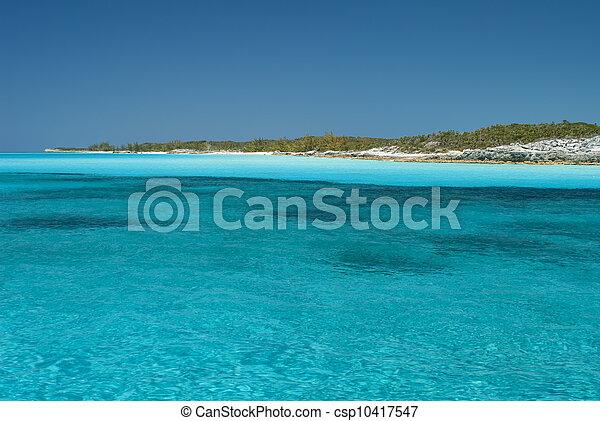 Aguas serenas de las Bahamas Cat Island - csp10417547