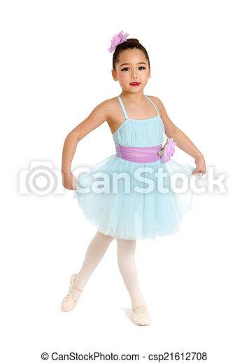 Bailarina de ballet infantil - csp21612708