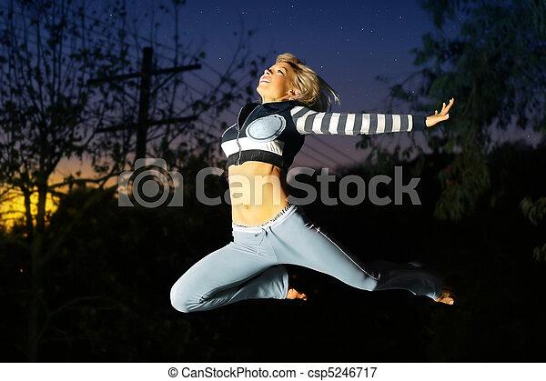 bailarín, mujer, saltar, aire - csp5246717