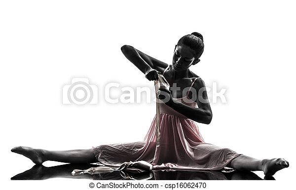 Mujer bailarina bailarina bailando silueta - csp16062470