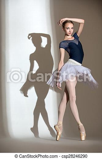 Bailarina Lleno Crecimiento Estudio Retrato Elegante Hermoso