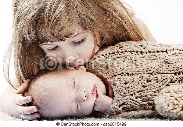 baisers, petite fille, elle, frère - csp6015499