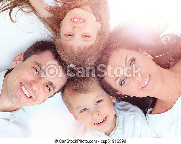 baixo, família, mentindo - csp51916390